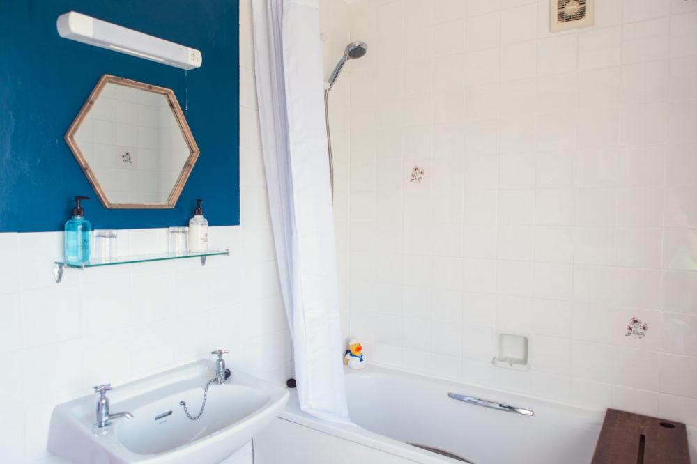 The Royson - room 5 bathroom