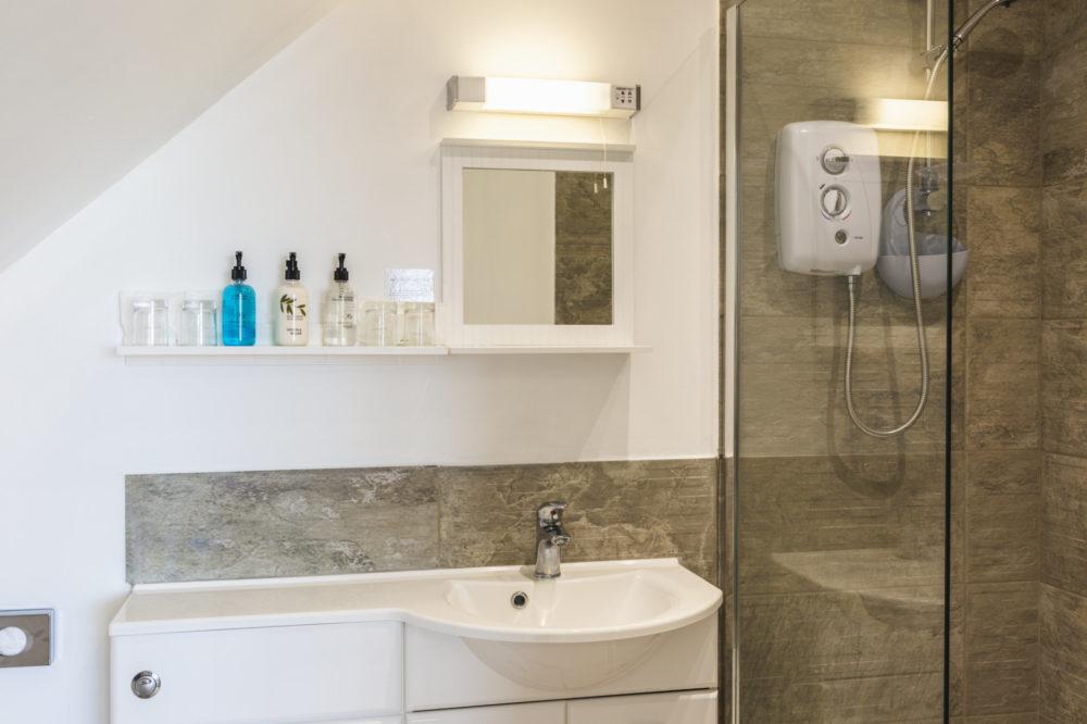 room 7 bathroom